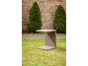 Zahradní ratanový odkládací stolek k lehátkům -světle hnědý