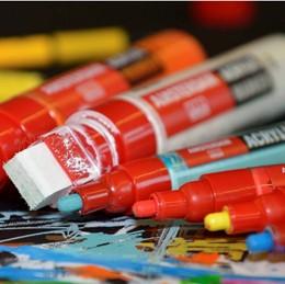 Akrylové markery