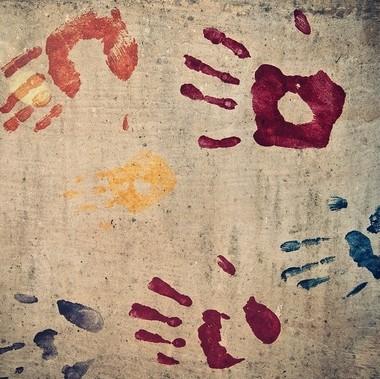 Barvy prstové