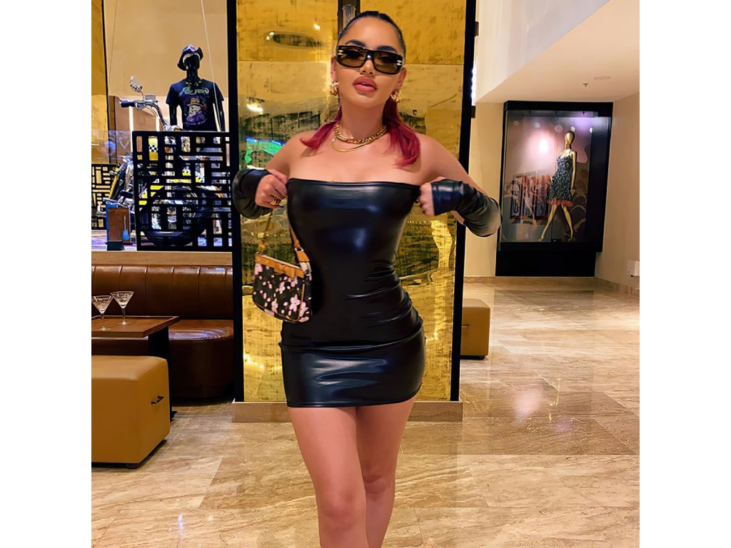 Sexy šaty mini lesklé čené LADA7 zpředu 2