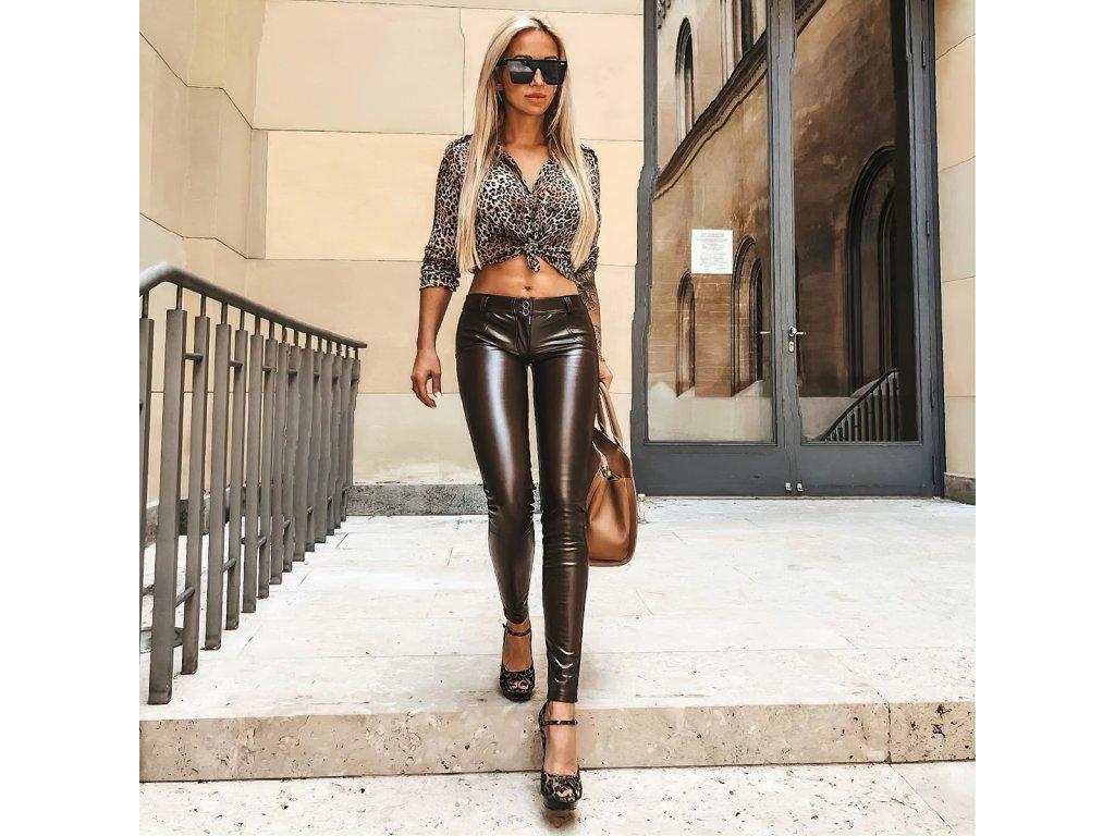 Sexy kalhoty lesklé hnědé LILA2 zpředu 1