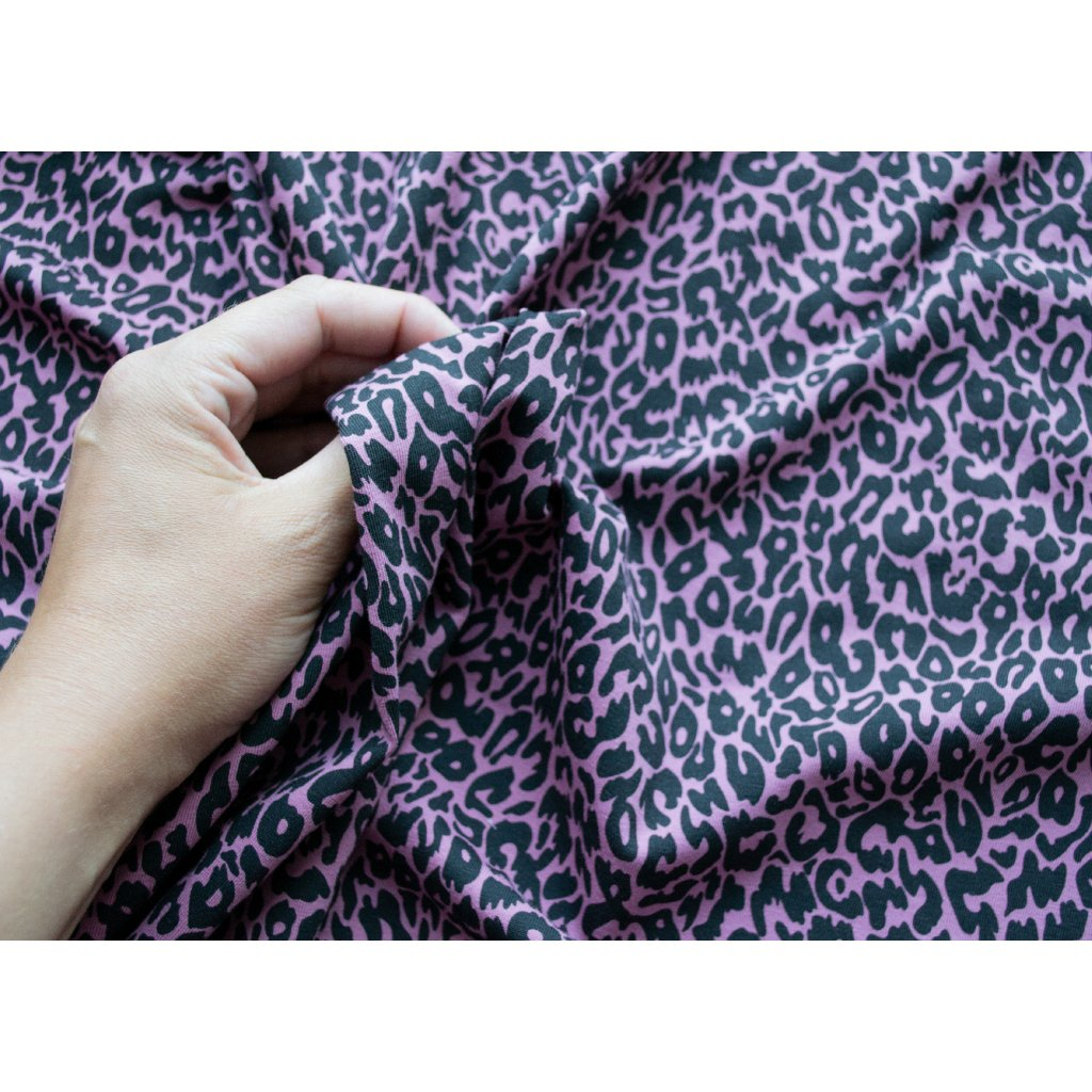 SHAPE lila leopard