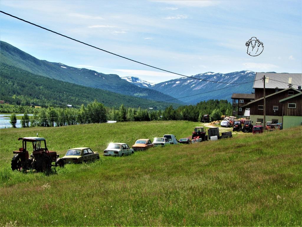 Sbírka Škodovek a Zetorů uprostřed norské divočiny