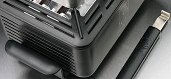 Robustná kovová konštrukcia Blazn Burner.