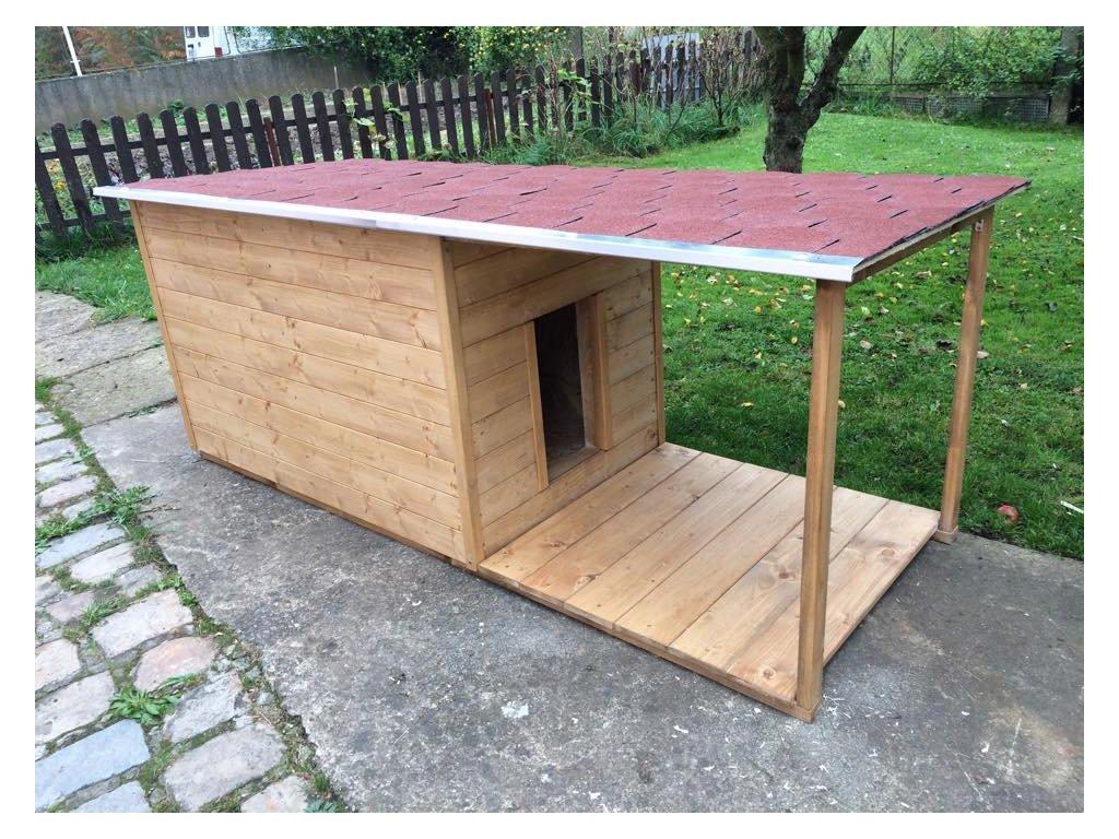 Psí bouda Andy, šindelová střecha, veranda
