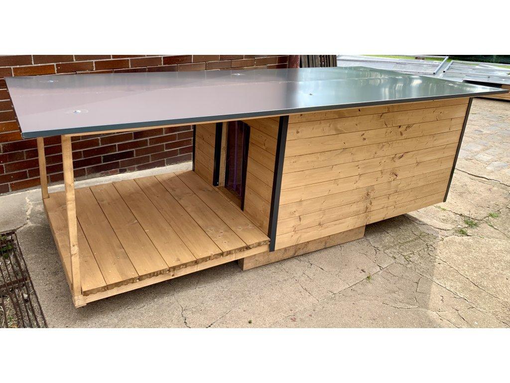 Zateplená psí bouda s verandou andi pinie