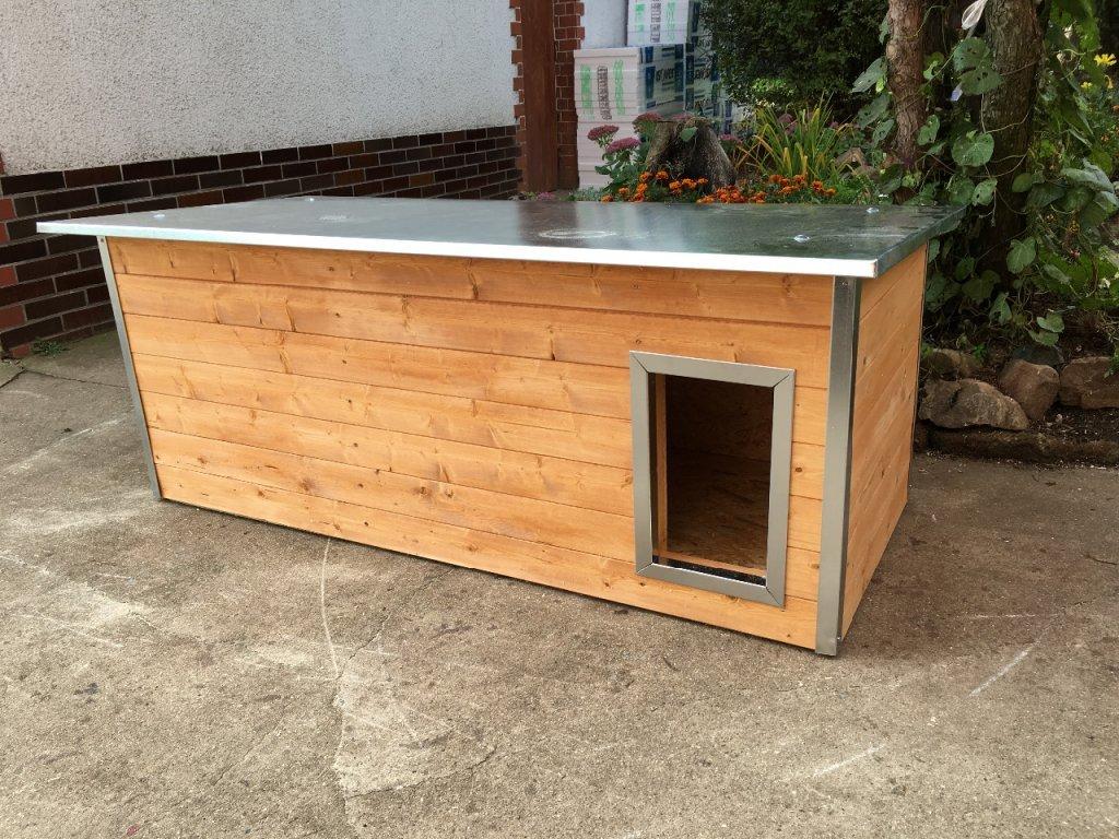 Psí bouda pro dva psy, rozárka, plechová střecha