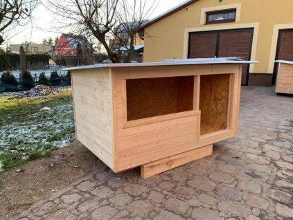 Závětrná psí bouda Matylda, plechová střecha