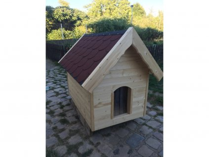 Psí bouda Bertík, šindelová střecha, lamelová clona