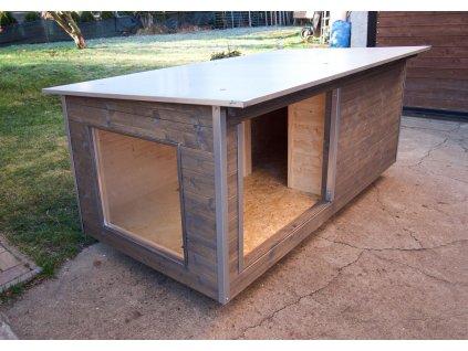 Zateplená psí bouda Larry large, s oknem 111