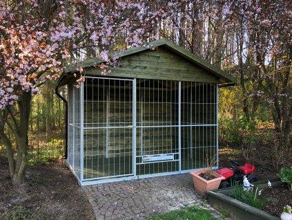 Kotec 2x3m se šindelovou střechou
