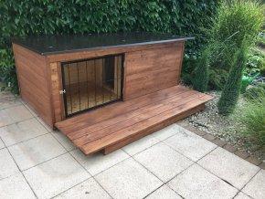 Zateplená psí bouda s verandou Larry