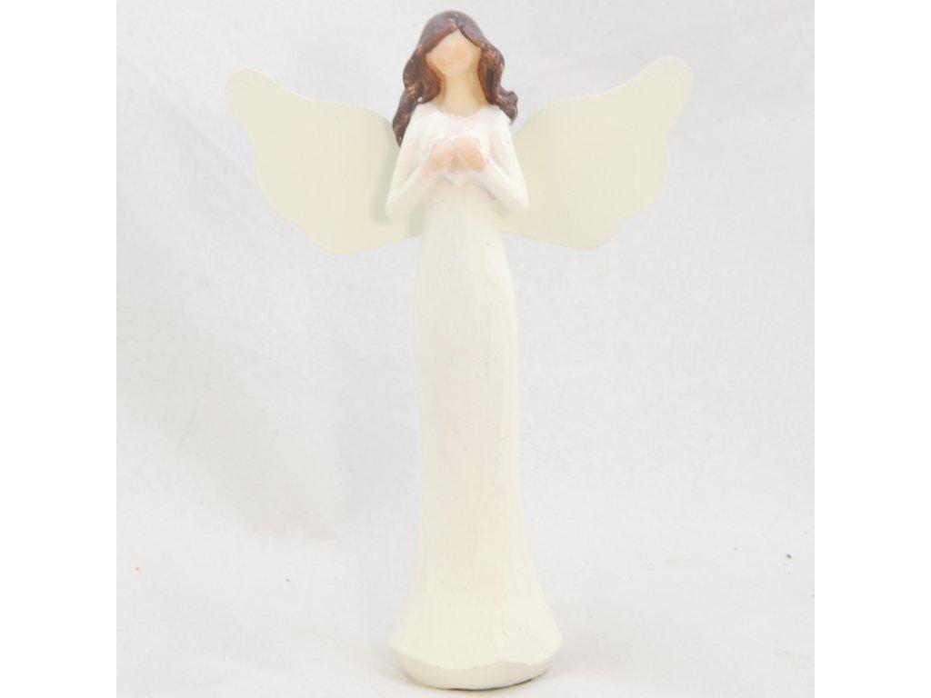 Figurka anděla v krémových šatech se srdíčkem