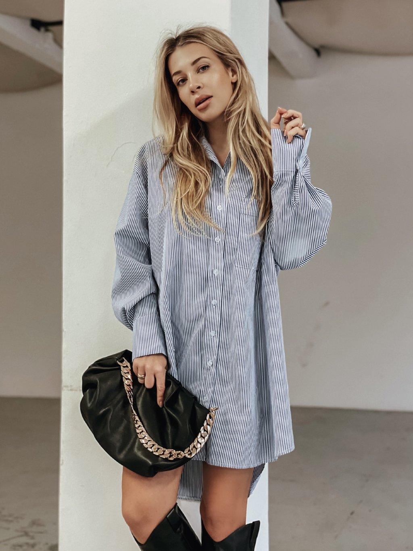 modro bílé šaty