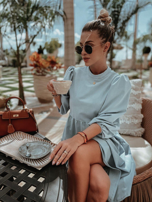 baby blue šaty