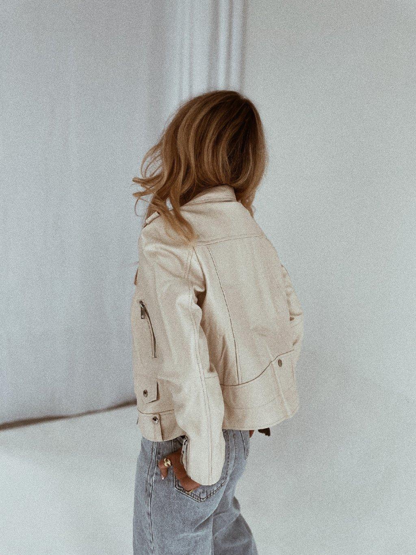 krémová bunda