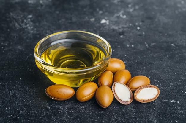 Proč arganový olej a jak ho co nejlépe využít - peeling, zábal...