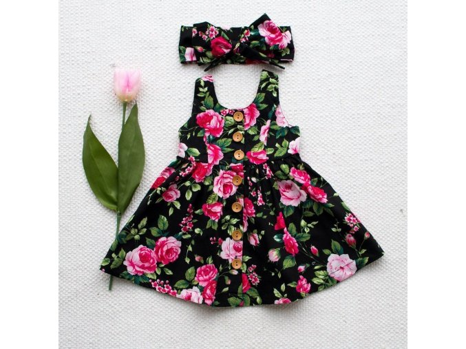 Dívčí šaty s květinami