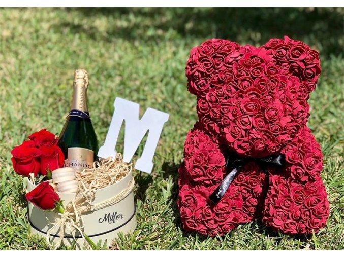 Medvídek z růží