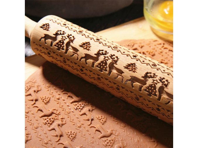 1 main kid manual rolling pins engraved with designe patterns wooden roller for baking embossed cookies kitchen tools christmas gift