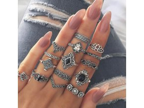 Set dámských retro prstýnků