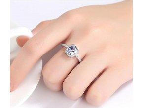 Luxusní dámský prsten