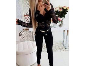 Dámský černý krajkový top s dlouhým rukávem
