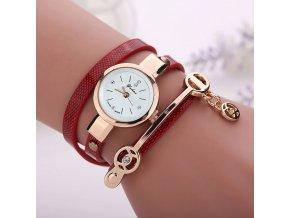 Dámské hodinky s dlouhým páskem