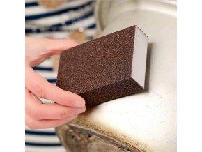 Houba na odstranění špíny v kuchyni