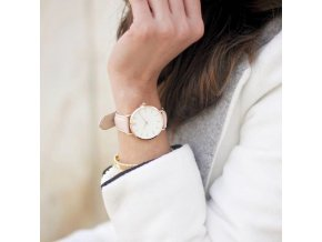 Dámské náramkové hodinky s kulatým ciferníkem