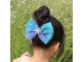 Krásné dívčí vlasové doplňky