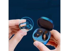 Bezdrátová bluetooth sluchátka s nabíjecím pouzdrem WM01