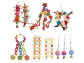 Hračky pro papoušky - různé druhy