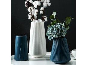 Krásné plastické vázy BLOOM