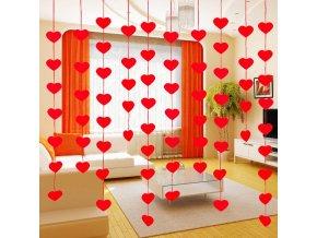 Zamilované dekorace - srdíčkové závěsy