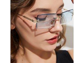 Dámské sluneční brýle obdélníkového tvaru RETRO