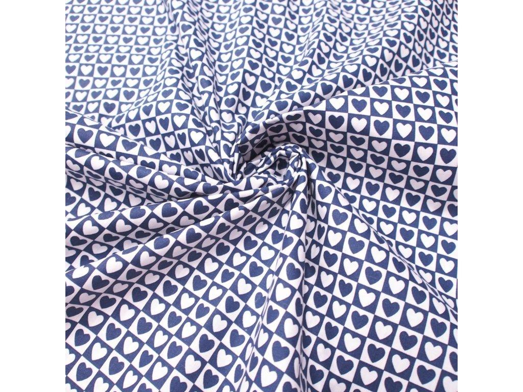 bavlněná látka srdíčka na modré (3)