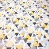 bavlněná látka žluté trojúhelníky 2