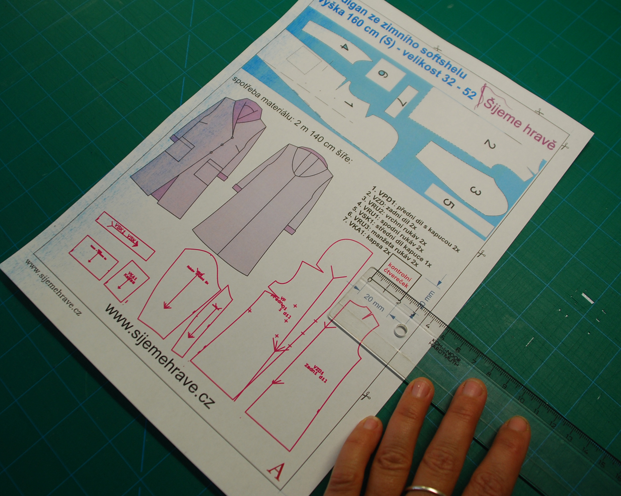 Jak vytisknout a slepit střih A4 (nově)