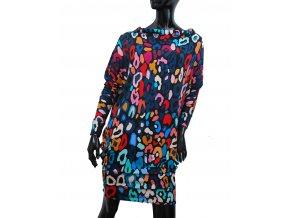 Univers - šaty na tisíc způsobů, střih