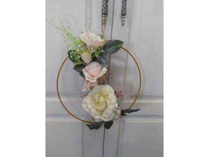 Květiny v kruhu