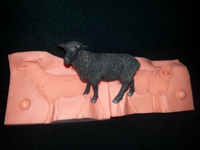Silikonová formička ovečka 3129