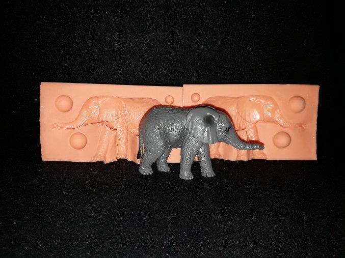 Silikonová formička slon 3169