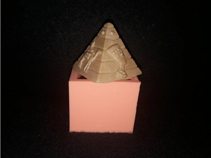 Silikonová formička pyramida 3196