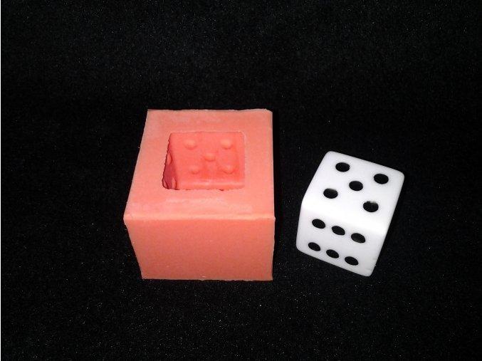 Silikonová formička hrací kostka 5042