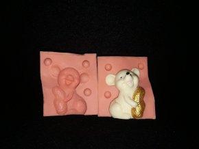 Silikonová formička myška s oříškem 3254