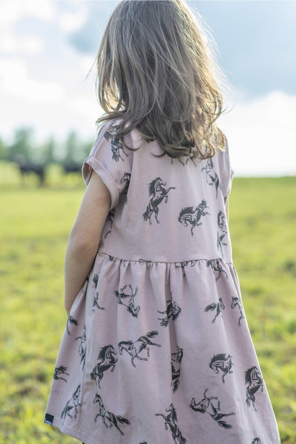Dětské šaty úplet s autorským potiskem - koně starorůžová