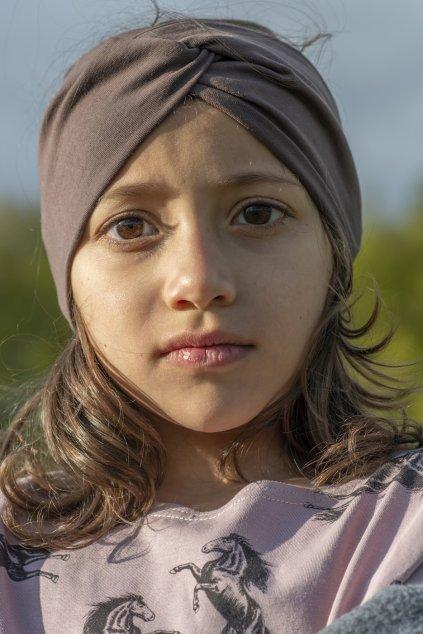 Dívčí triko s nařasenými rukávy a autorským potiskem - koně starorůžové