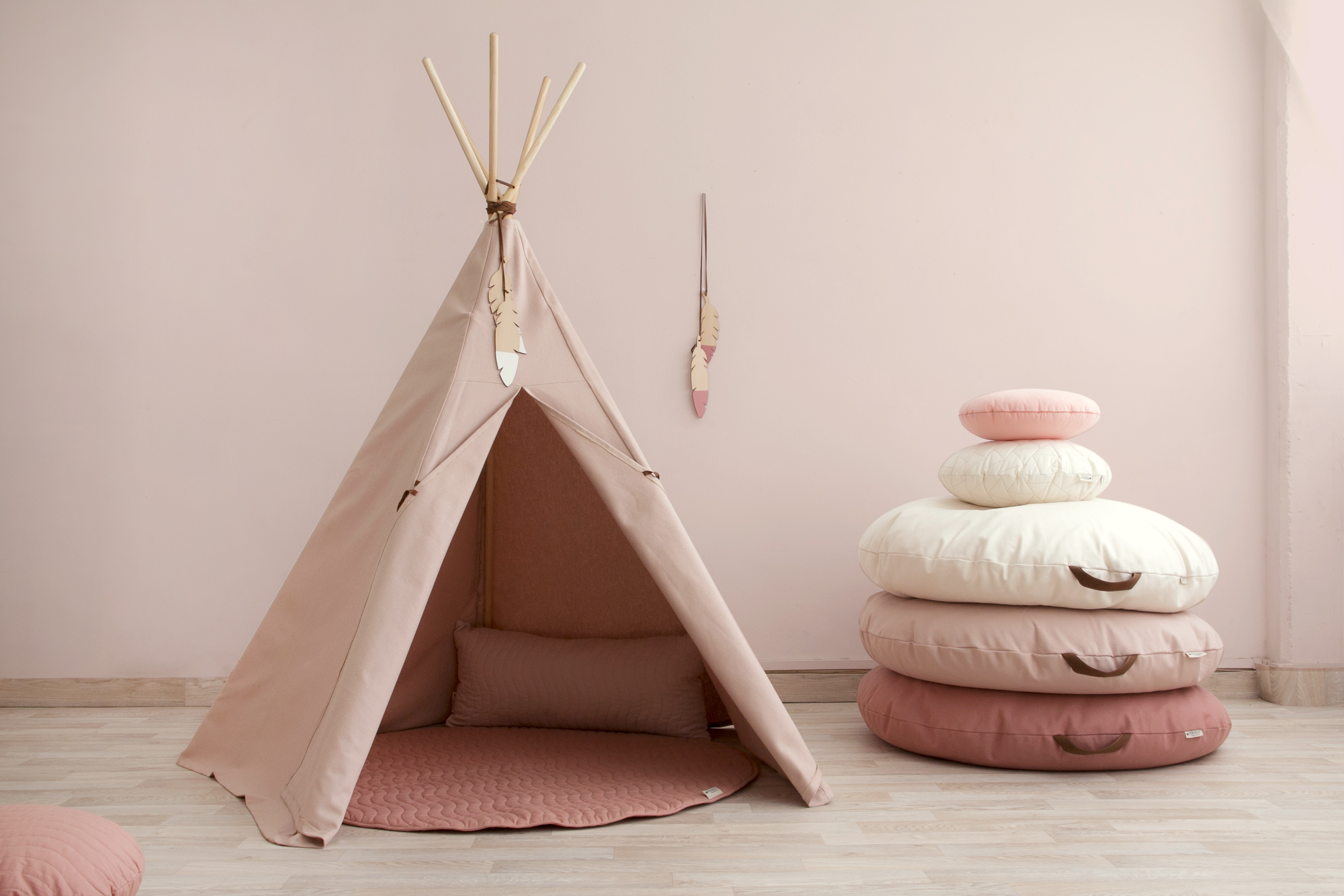 teepee-nevada-bloom-pink-sahara-beanbags-nobodinoz