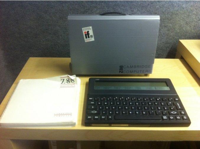 Sinclair Z88 v originálním balení (německá verze)